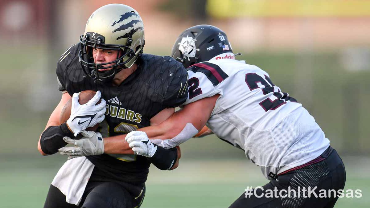 Sep 10, 2021; Andover, Kansas, USA; during a game between Buhler and Andover Central ©KellyRoss
