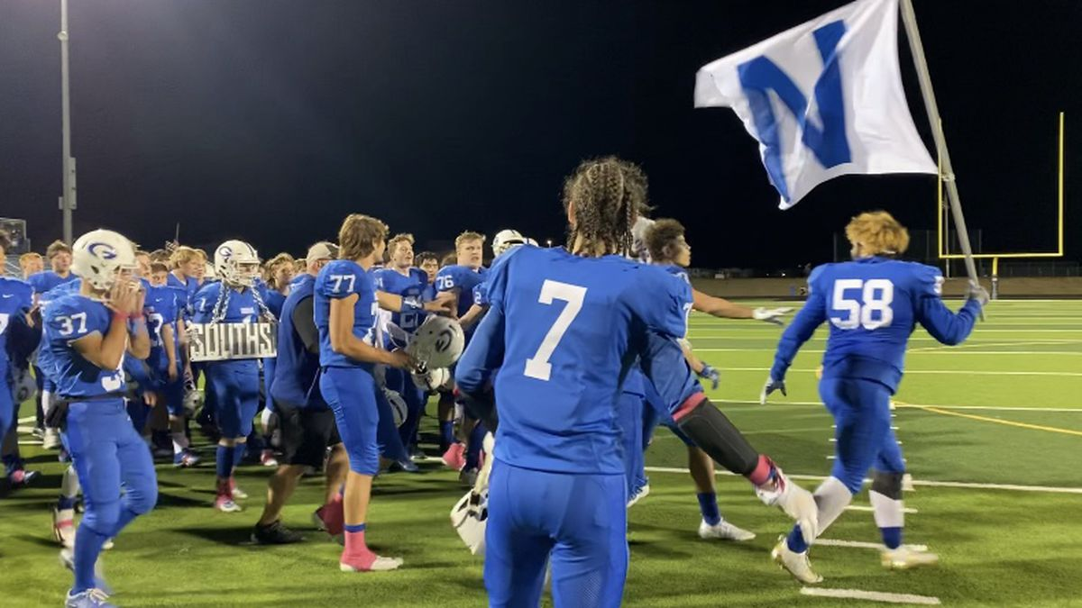 Goddard defeated Eisenhower 28-26 to advance to the second round of playoffs