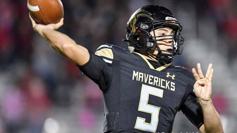 Oct 9, 2020; Maize, Kansas, USA; during a game between the Maize Eagles and Maize South...