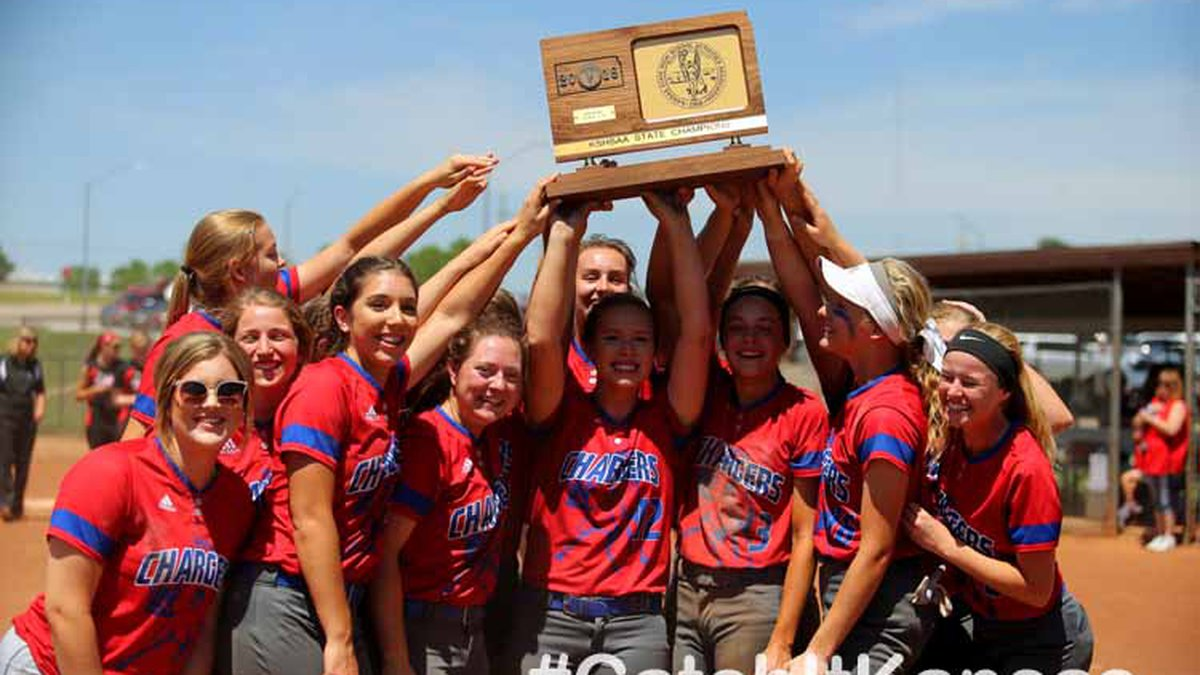 Wabaunsee defeated Chase County 15-0 to win the 2018 KSHSAA 2-1A State Softball Championship...