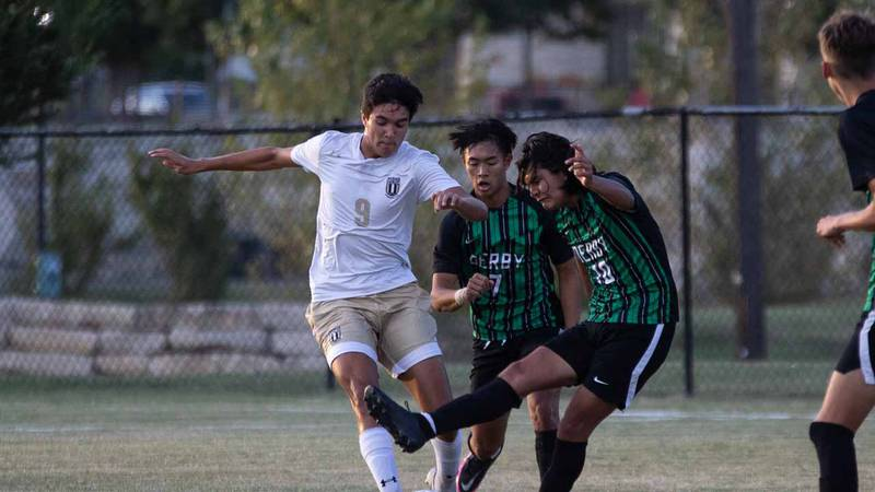 An AVCTL-I boys soccer contest between Derby and Maize South