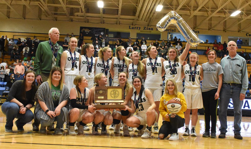 Central Plains makes it seven straight in 1A, Div. II battle (Photo by Mike Courson)