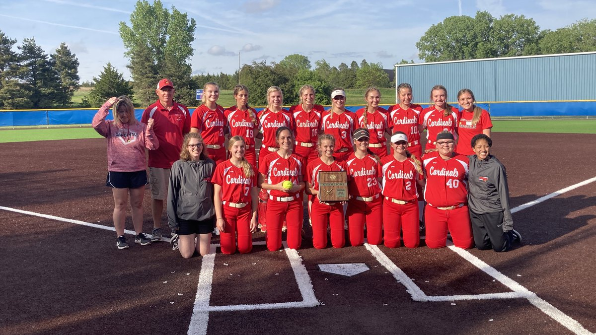 Hoisington/Central Plains topped Russell/Victoria 5-1 Wednesday to reach the 3A state softball...