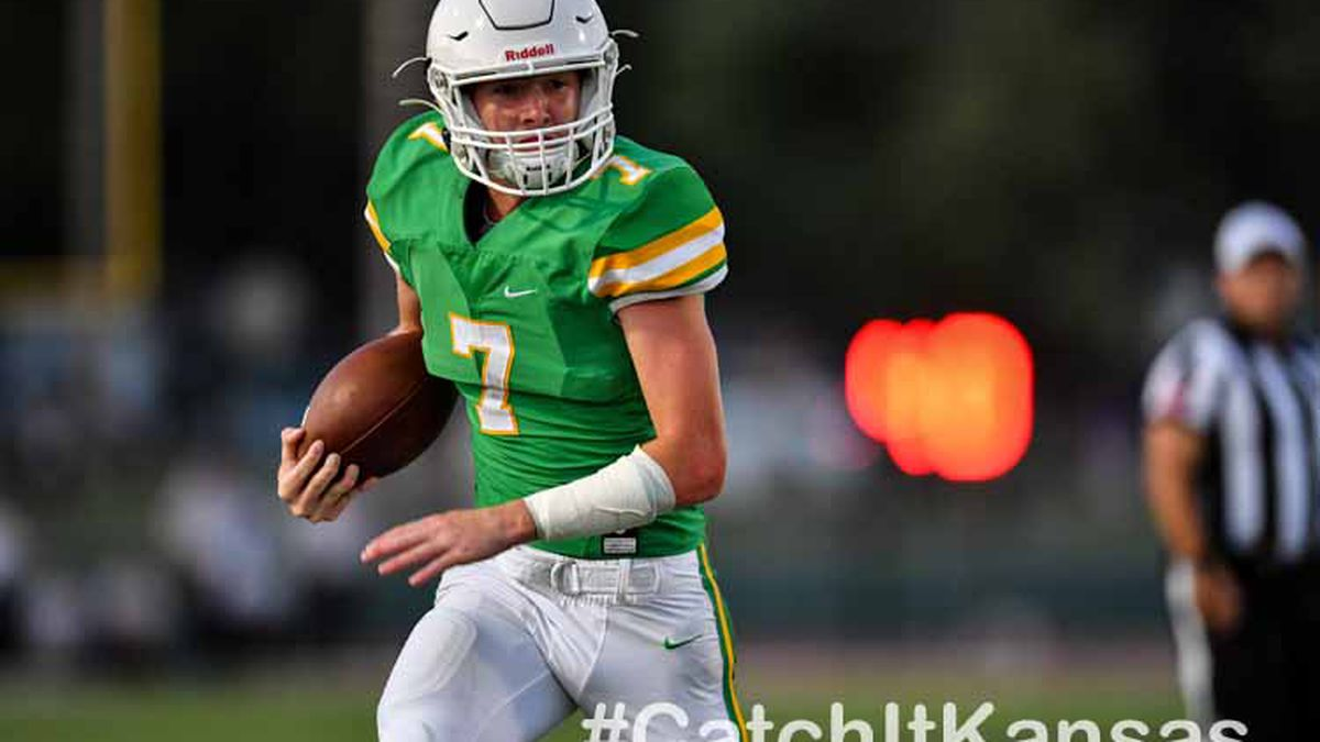 Sep, 27, 2019; Derby, Kansas, USA;  during a matchup between the Derby Panthers and Bishop Carroll Eagles   ©Kelly Ross
