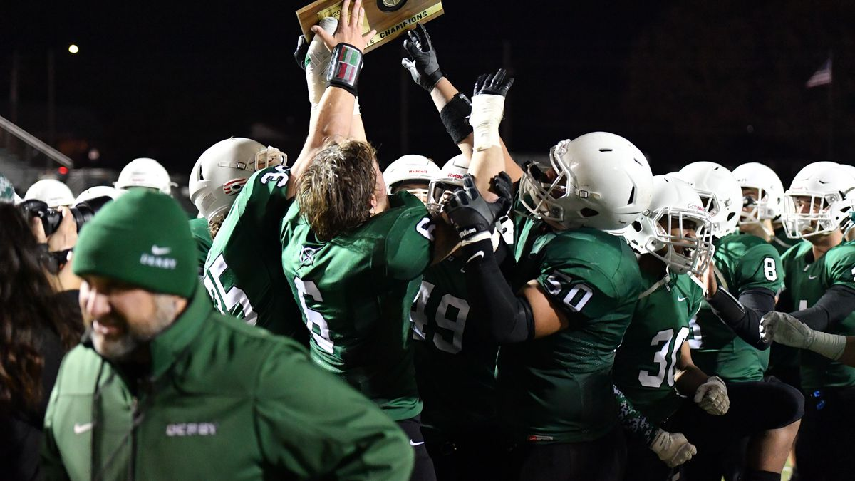 Nov, 16, 2018; Derby, Kansas, USA;  The Derby Panthers played the Manhattan Inidians for the right to play in the 6A state title game ©Kelly Ross